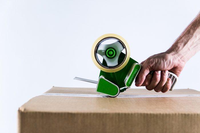 tape-dispenser-sealed-box